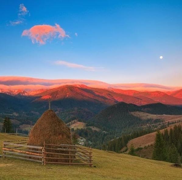 Село Дземброня в Украине