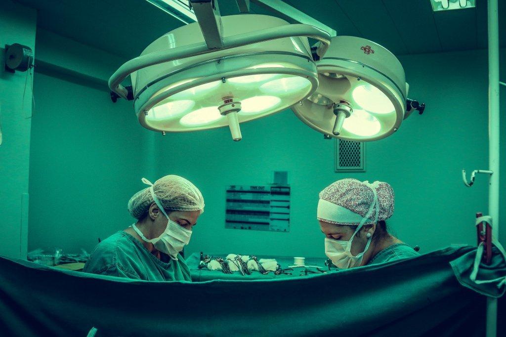 Пластическая хирургия лица: виды, плюсы и минусы. Полный гайд по пластике лица для тех, кто хочет сделать себя совершеннее.