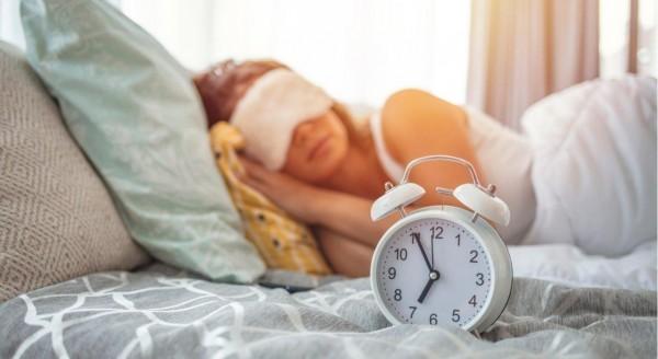 Как научиться вставать рано: 5 действующих лайфхаков как «сове» стать «жаворонком»